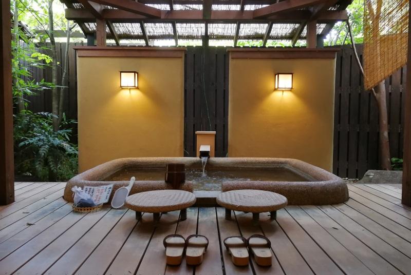 瑞垣の客室露天風呂