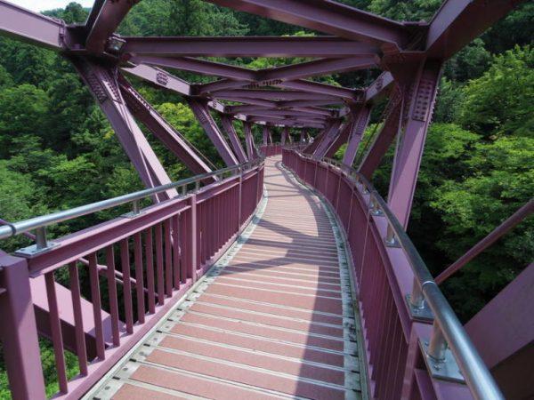 あやとり橋。読んで字の如く、あやとりのような形状をしている。